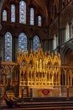 ELY, CAMBRIDGESHIRE/UK - 22 NOVEMBRE: Vista interna di un altare Fotografia Stock