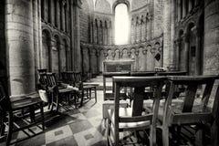 Ely Cathedral Window en Stoelen Stock Foto