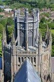 ELY, GROSSBRITANNIEN - 26. MAI 2017: Die Kathedrale - Nahaufnahme auf den Achteck-und Laternen-Türmen Stockfoto