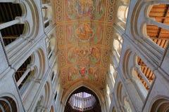 ELY, R-U - 26 MAI 2017 : L'intérieur de la cathédrale avec le plafond peint de la nef Images libres de droits