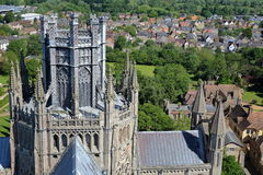 ELY, UK - 26 ΜΑΐΟΥ 2017: Ο καθεδρικός ναός - κινηματογράφηση σε πρώτο πλάνο στους πύργους οκταγώνων και φαναριών Στοκ φωτογραφία με δικαίωμα ελεύθερης χρήσης