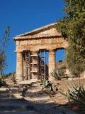 Elymian tempel i dorisk stil, Segesta, Sicilien, Italien Royaltyfri Fotografi