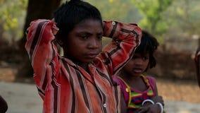 EM ABRIL DE 2016 India Bihar Crianças indianas pobres assustado da vila filme