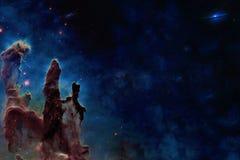 Em algum lugar no espa?o Colunas da cria??o Os elementos desta imagem foram fornecidos pela NASA imagens de stock royalty free