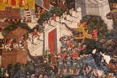 2014 em Banguecoque, Banguecoque, TAILÂNDIA - 5 de maio: Pintura mural tailandesa antiga Foto de Stock