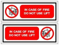 Em caso do fogo não use o sinal do símbolo do elevador, ilustração do vetor, isolado na etiqueta branca do fundo EPS10 ilustração royalty free