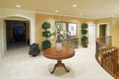 Em cima de uma HOME luxuosa Imagens de Stock Royalty Free