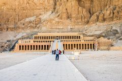 Em janeiro de 2018 - Luxor, Egito O grande templo de Hatshepsut, Karnak, Luxor, Egito imagem de stock