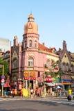 Em julho de 2013 - Qingdao, China - construções alemãs históricas do estilo na cidade velha imagem de stock royalty free
