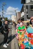 2012 em Kyoto, Japão, mulheres bonitas não identificadas no traditiona fotos de stock royalty free
