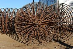 Em-linha rodas do metal em uma estrela-roda mecânica Imagens de Stock