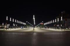 Em outubro de 2018 - Tirana, Albânia O bulevar novo recentemente construído de Tirana fotos de stock royalty free