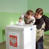 Em segundo circularmente de eleições locais em Poland Foto de Stock