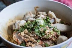 Em Tailândia todos como come o macarronete seco Fotos de Stock