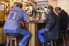 Em um bar local Imagem de Stock