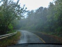 Em um dia chuvoso imagens de stock