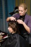 Em um salão de beleza de cabelo Imagem de Stock Royalty Free