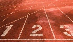 123 em uma pista atlética da pista de atletismo Imagens de Stock Royalty Free