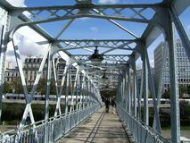 Em uma ponte foto de stock