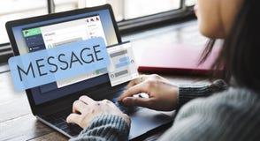 Email en ligne Digital de message causant le concept Photo libre de droits