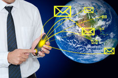 Email enviado hombre de negocios Imagen de archivo libre de regalías