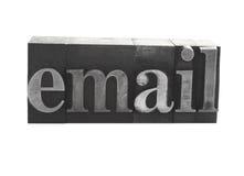 ?eMail? im alten Metalltypen stockbild