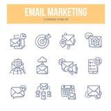 Email lançant des icônes sur le marché de griffonnage Photo stock