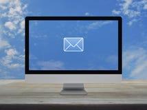 Email płaska ikona, Biznesowy kontakt my online pojęcie fotografia stock