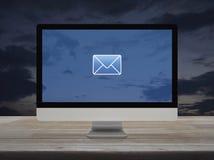 Email p?aska ikona, Biznesowy kontakt my online poj?cie obraz stock
