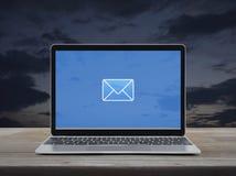 Email p?aska ikona, Biznesowy kontakt my online poj?cie obraz royalty free