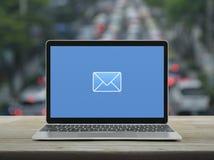 Email p?aska ikona, Biznesowy kontakt my online poj?cie obrazy stock