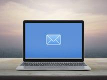 Email p?aska ikona, Biznesowy kontakt my poj?cie obraz royalty free