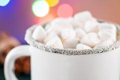 Email-weiße Kaffeetasse-Schale Kakao-des heißen Getränk-Getränkes mit Eibisch Lizenzfreie Stockfotos