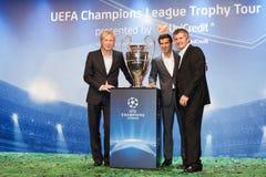 Embaixadores UEFA Mihaylichenko, Figo, Suker Imagens de Stock