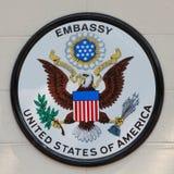 Embajada del tablero de los Estados Unidos de América Imagen de archivo libre de regalías