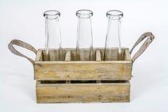 Embalaje con las botellas Imágenes de archivo libres de regalías