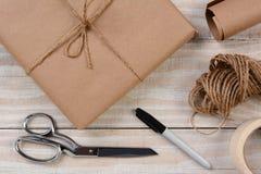 Embalaje de un paquete Fotos de archivo libres de regalías