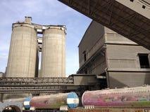 Embalaje del cemento del carril Foto de archivo