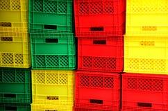 Embalajes plásticos coloridos. Imágenes de archivo libres de regalías