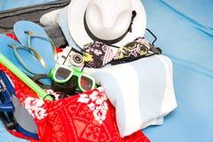Embalar una maleta Imagen de archivo libre de regalías