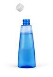 Emballage cosmétique de bouteille bleue de toner d'isolement sur le backgr blanc Photos stock