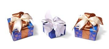 Emballage de cadeaux attaché par le ruban images libres de droits