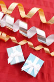Emballage des cadeaux de Noël Photographie stock