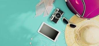 Emballage et partir pendant des vacances d'été images libres de droits