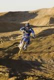 Emballage masculin de coureur de motocross photographie stock libre de droits