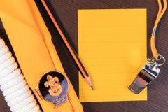 Emballagekontrollistor för spanar campa turer, snubblar semestern, åtlöje Fotografering för Bildbyråer