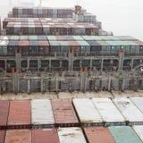 A embarcação de recipiente chegou no porto de Tangshan, China Imagem de Stock