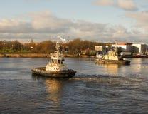Embarcação do reboque no rio Imagem de Stock Royalty Free
