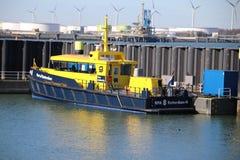 embarcação piloto do navio e da autoridade portuária no porto de Rotterdam, fotografia de stock