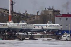 Embarcações da velocidade do meteoro no rio de Vuoksa fotografia de stock royalty free